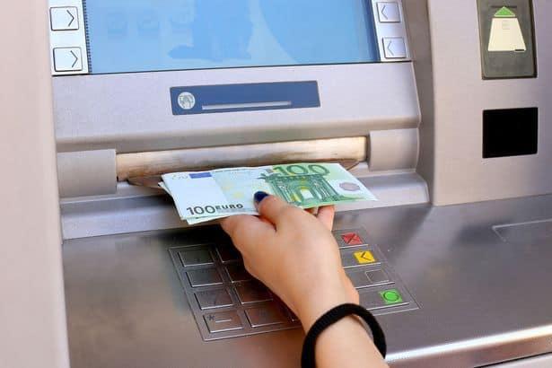 กดเงินสดจากบัตรเครดิต เมื่อต้องการเงินสด แต่มีแค่บัตรเครดิต